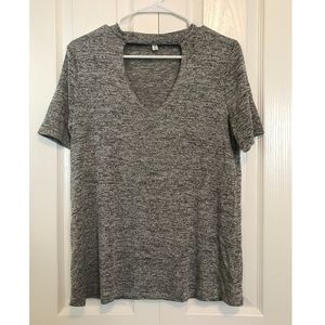 Basic Tee with Keyhole Cut-out